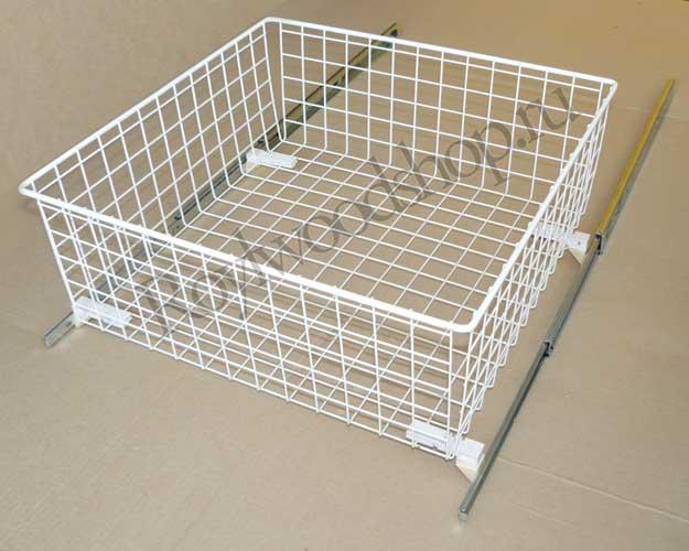 Выдвижная бельевая корзина для тумбы в ванную комнату